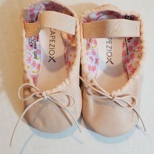Capezio ballet slippers 6.5